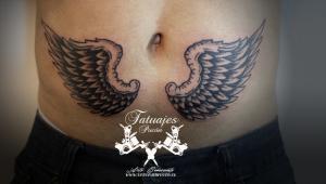 tatuaje-alas-angel-negro-y-gris-tataujes-pucon-by-nath-rodriguez-tattoo-artist-chile