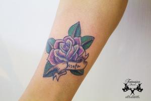 tatuaje-tradicional-rosa-tatuajes-pucon-by-nath-rodriguez-chile
